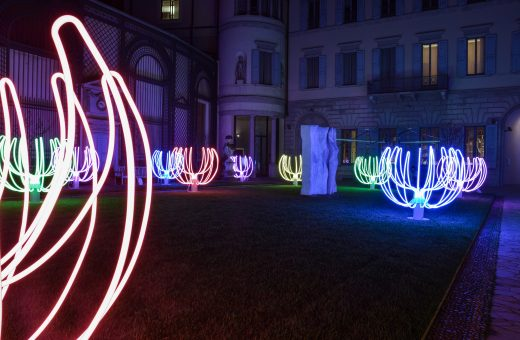 Poesie di Neon, the magical installation of Luca Trazzi