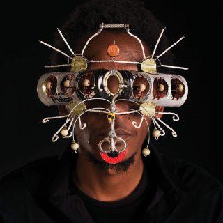Gli stravaganti occhiali afrofuturistici di Cyrus Kabiru | Collater.al