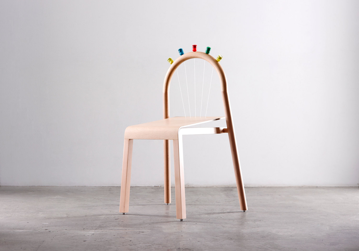 Josie, the chair that pops | Collater.al 4