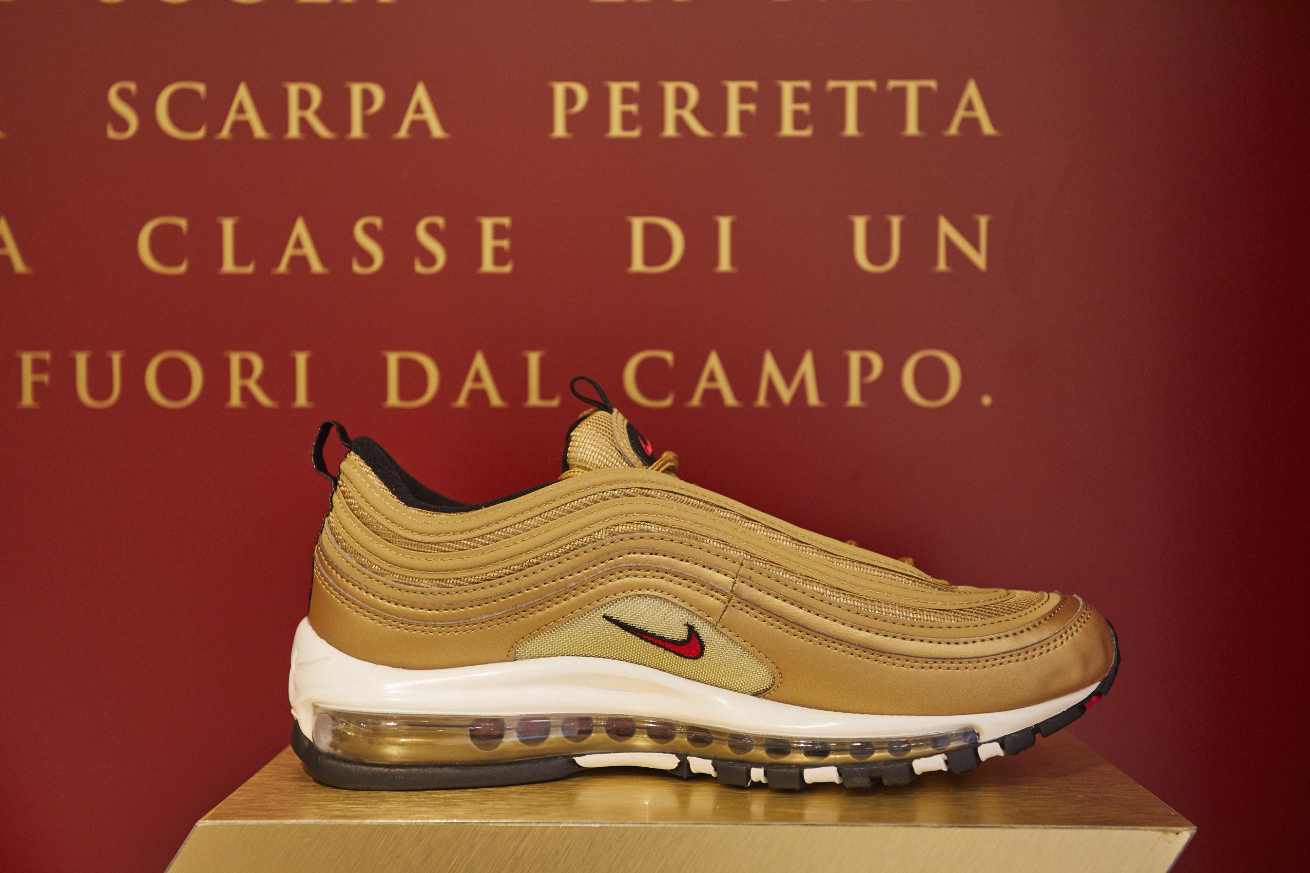 Nike presenta gli scarpini in edizione limitata Tiempo Totti X Roma | Collater.al
