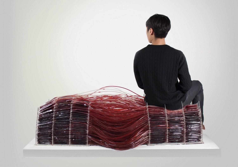 Red series, la sedia fatta di sangue di Hyun-Gi Kim | Collater.al