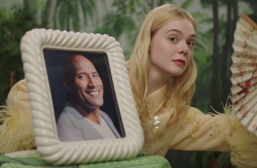 Fan Fantasy, il divertente video di Elle Fanning per Vogue