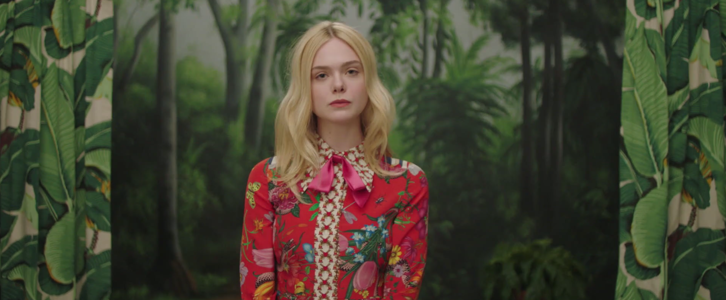 Fan Fantasy, il divertente video di Elle Fanning per Vogue | Collater.al 2