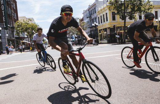 Santa Fixie, una scommessa per la mobilità alternativa