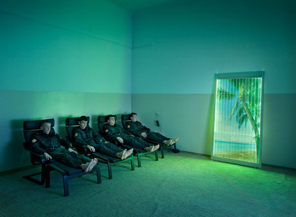 Time in Between, le surreali fiabe russe di Frank Herfort | Collater.al