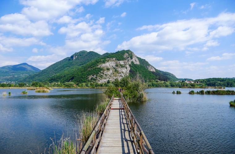 Il Lago d'Iseo e gli specchi d'acqua delle Torbiere del Sebino