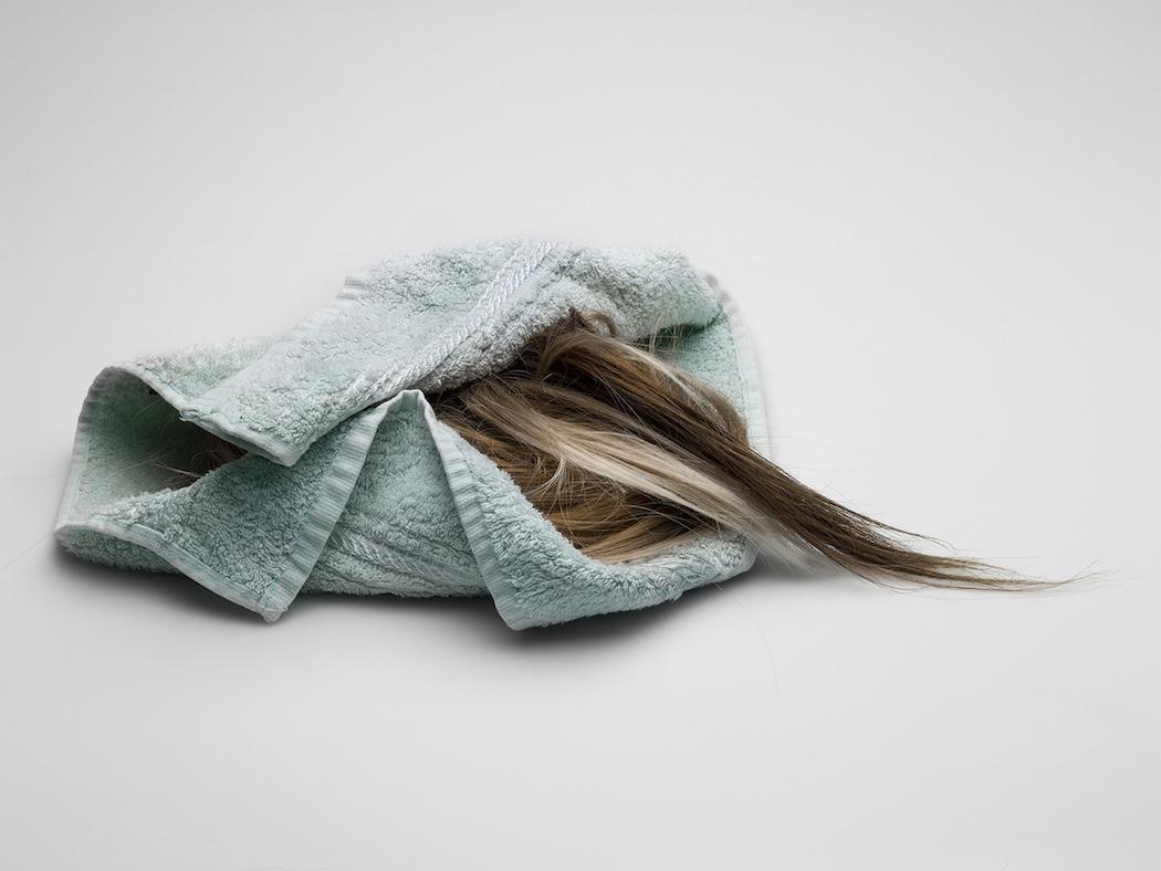 Hair, l'assurda esplorazione della bellezza di Karmen Ayvazyan   Collater.al
