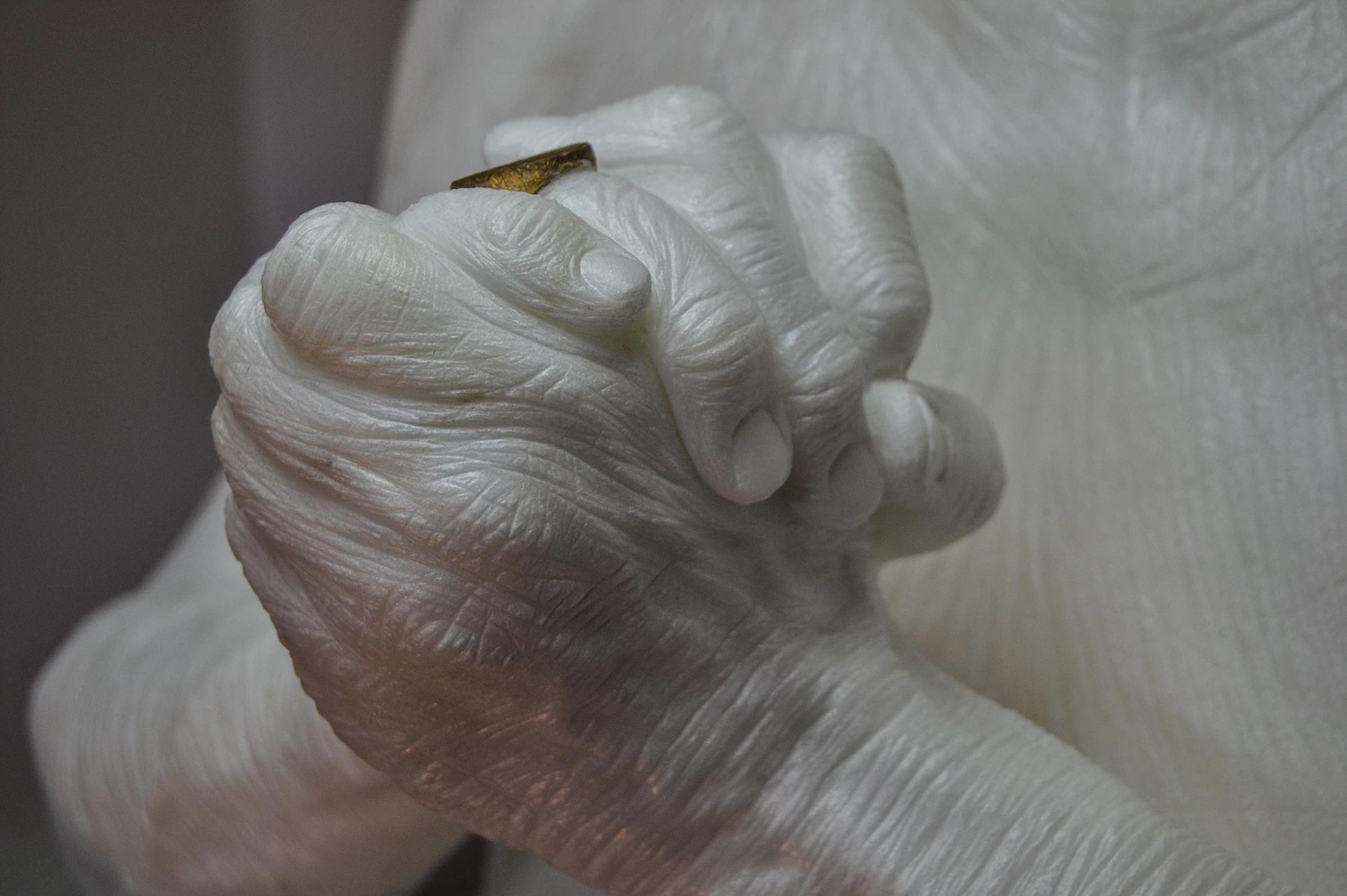 Le sculture di marmo di Jacopo Cardillo aka Jago | Collater.al