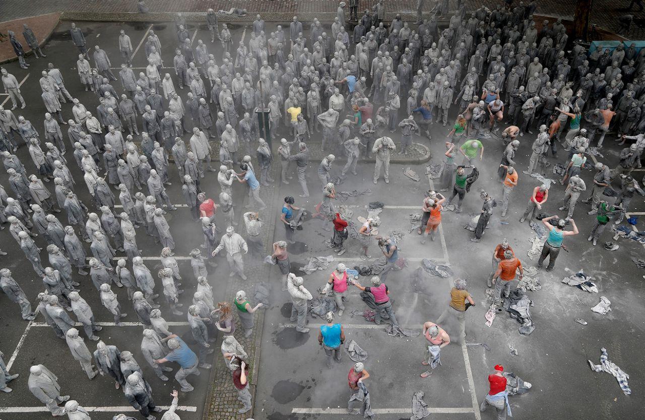 La protesta del collettivo 1000 GESTALTEN per il G20 | Collater.al