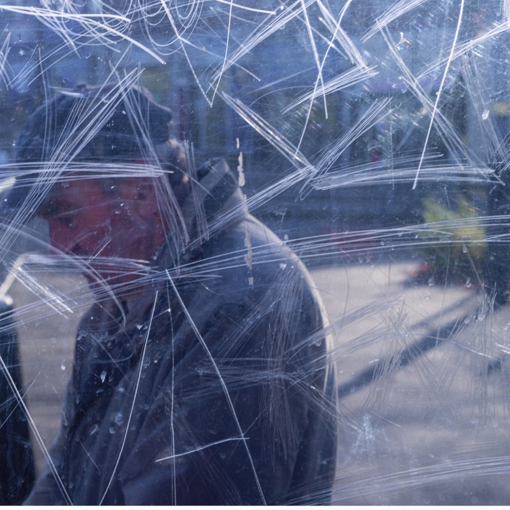 Bus Stop, il progetto anti-fotografico di Stephen Calcutt | Collater.al 12