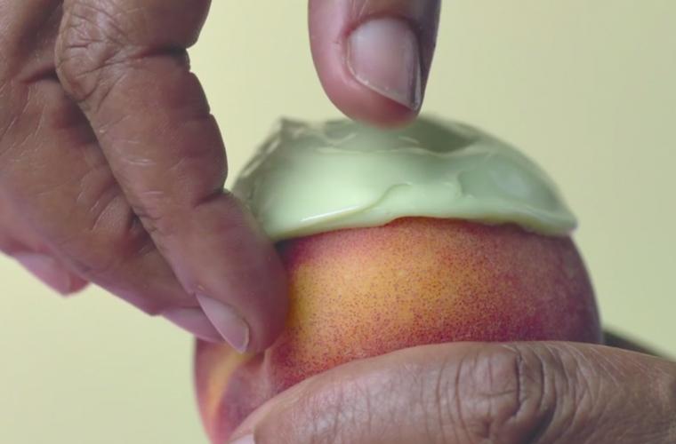 Short video for Breakfast – Define Beauty: Waxing, rituali di bellezza sulla frutta