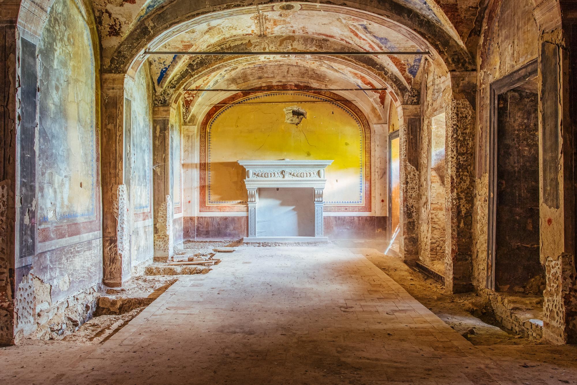 Domun Dei, le chiese abbandonate del fotografo James Kerwin | Collater.al