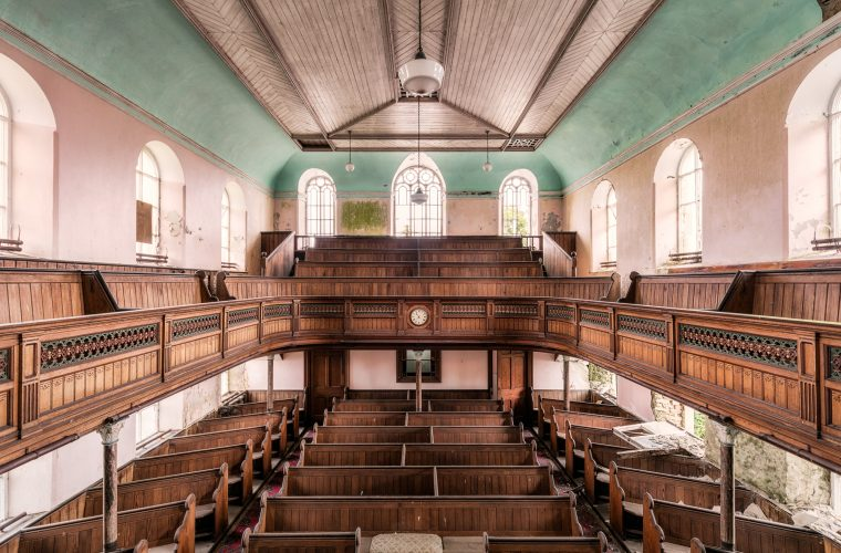 Domun Dei, le chiese abbandonate del fotografo James Kerwin
