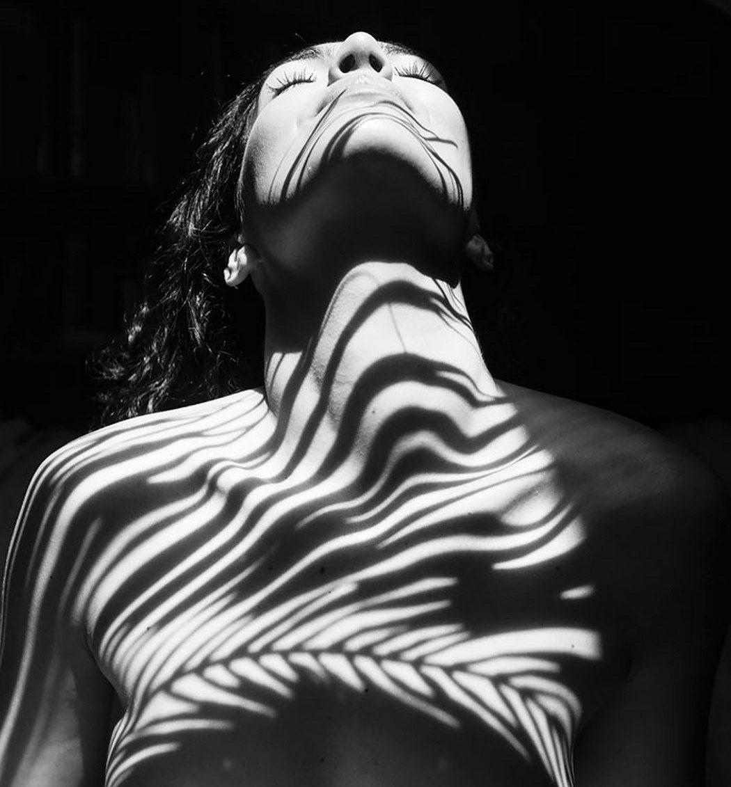 I corpi, le luci e le ombre del fotografo Emilio Jiménez | Collater.al
