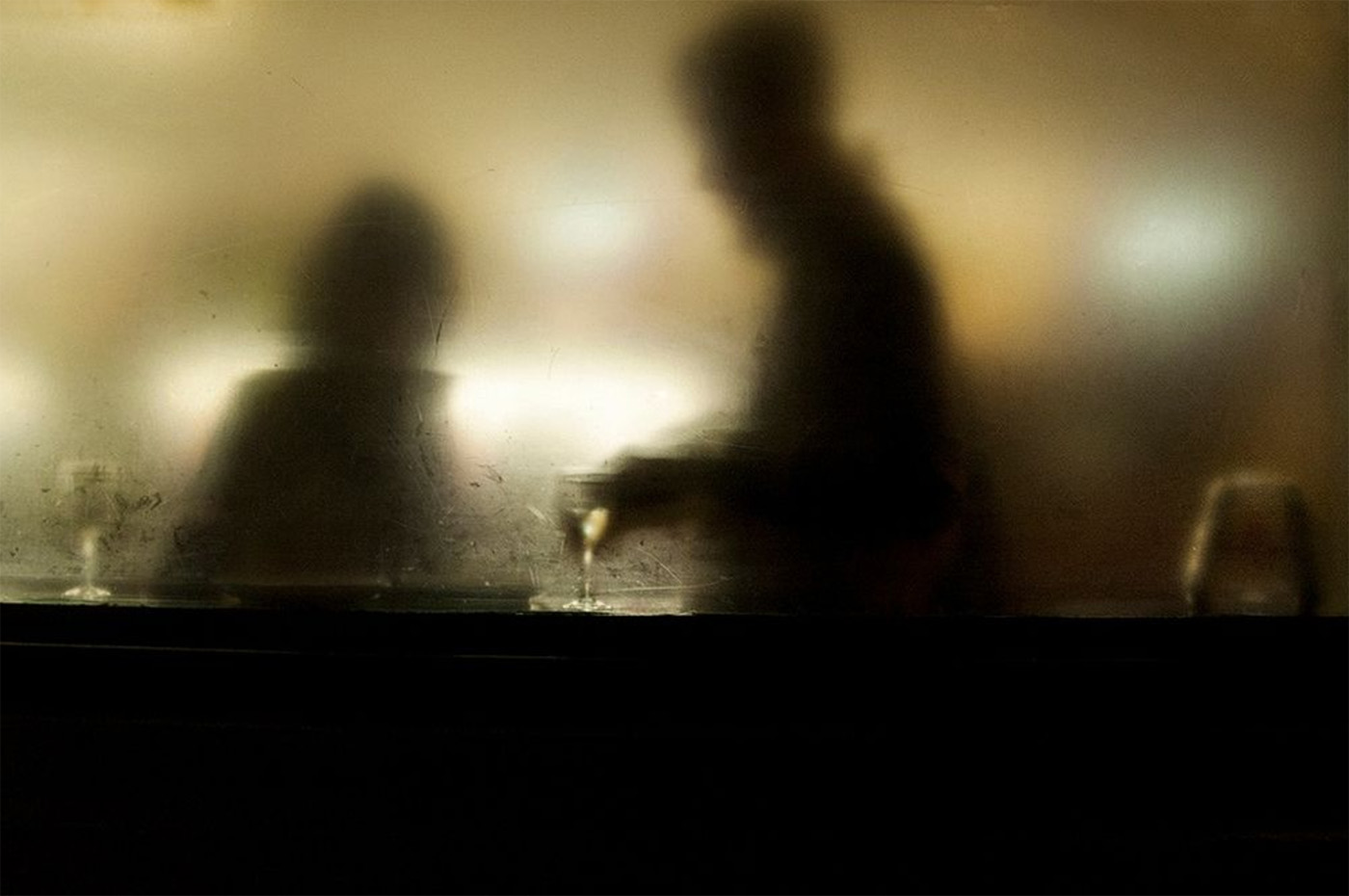 Behind A Glass, i riflessi della città nel scatti di Umberto Verdoliva | Collater.al 1