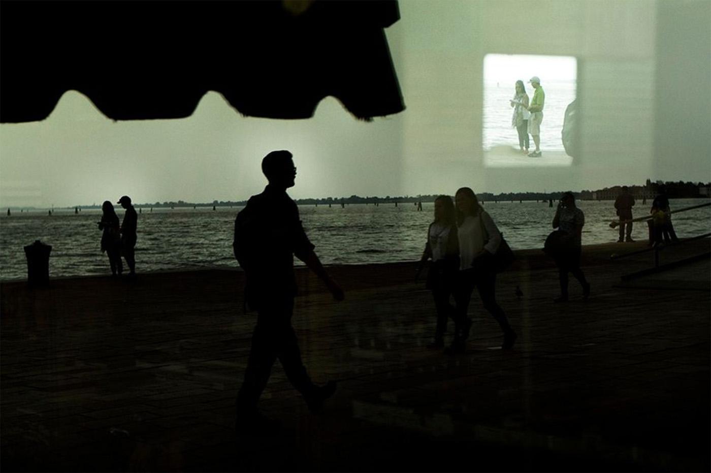 Behind A Glass, i riflessi della città nel scatti di Umberto Verdoliva | Collater.al 6