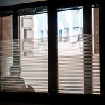 Behind A Glass, i riflessi della città nel scatti di Umberto Verdoliva | Collater.al 7