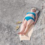 Genova – i tuoi colori, le spiagge artificiali del capoluogo ligure attraverso gli occhi di Niels Schubert | Collater.al 3