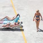 Genova – i tuoi colori, le spiagge artificiali del capoluogo ligure attraverso gli occhi di Niels Schubert | Collater.al 7