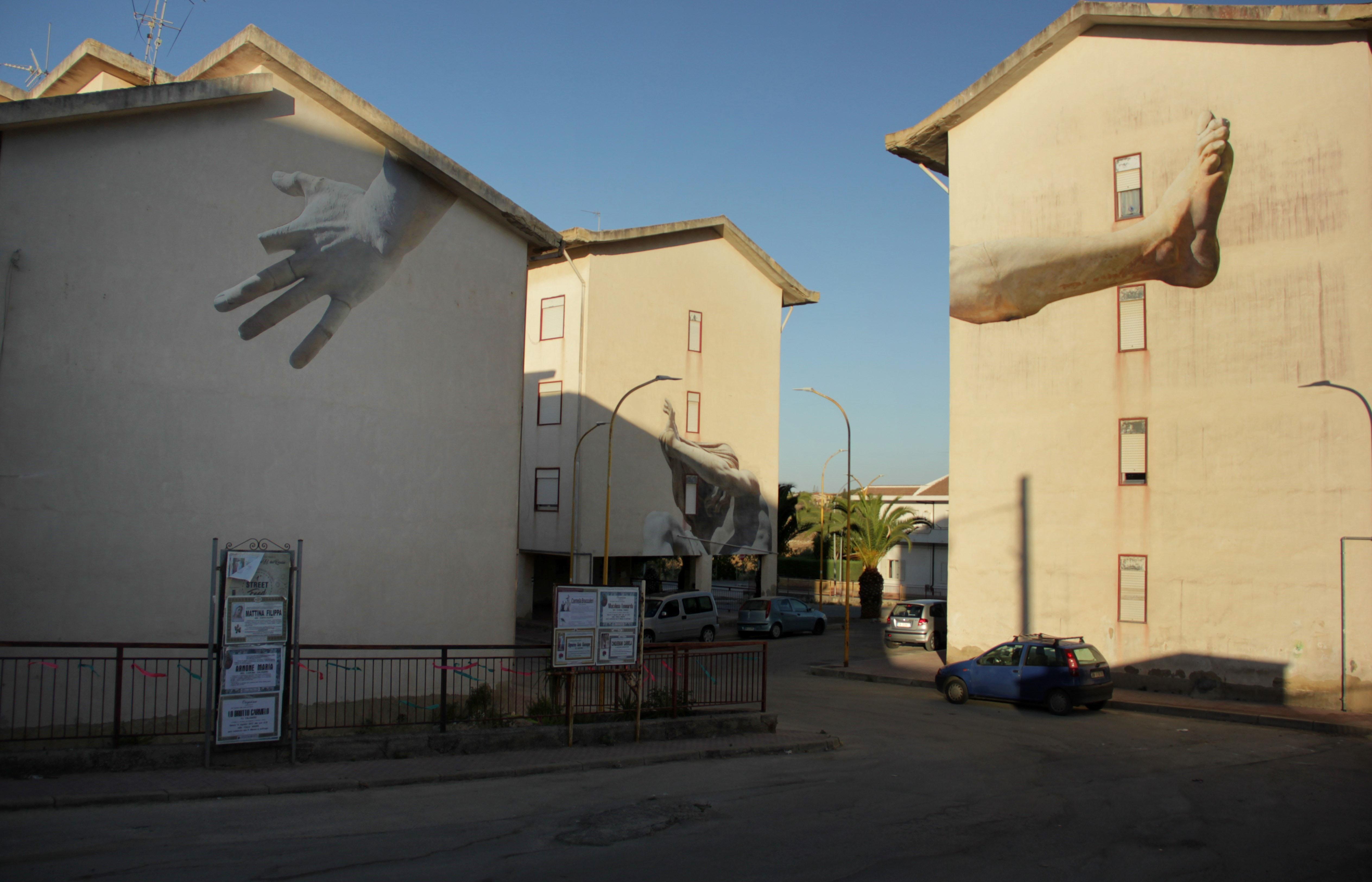 Macrosomia, il nuovo progetto di SBAGLIATO in Sicilia | Collater.al 1