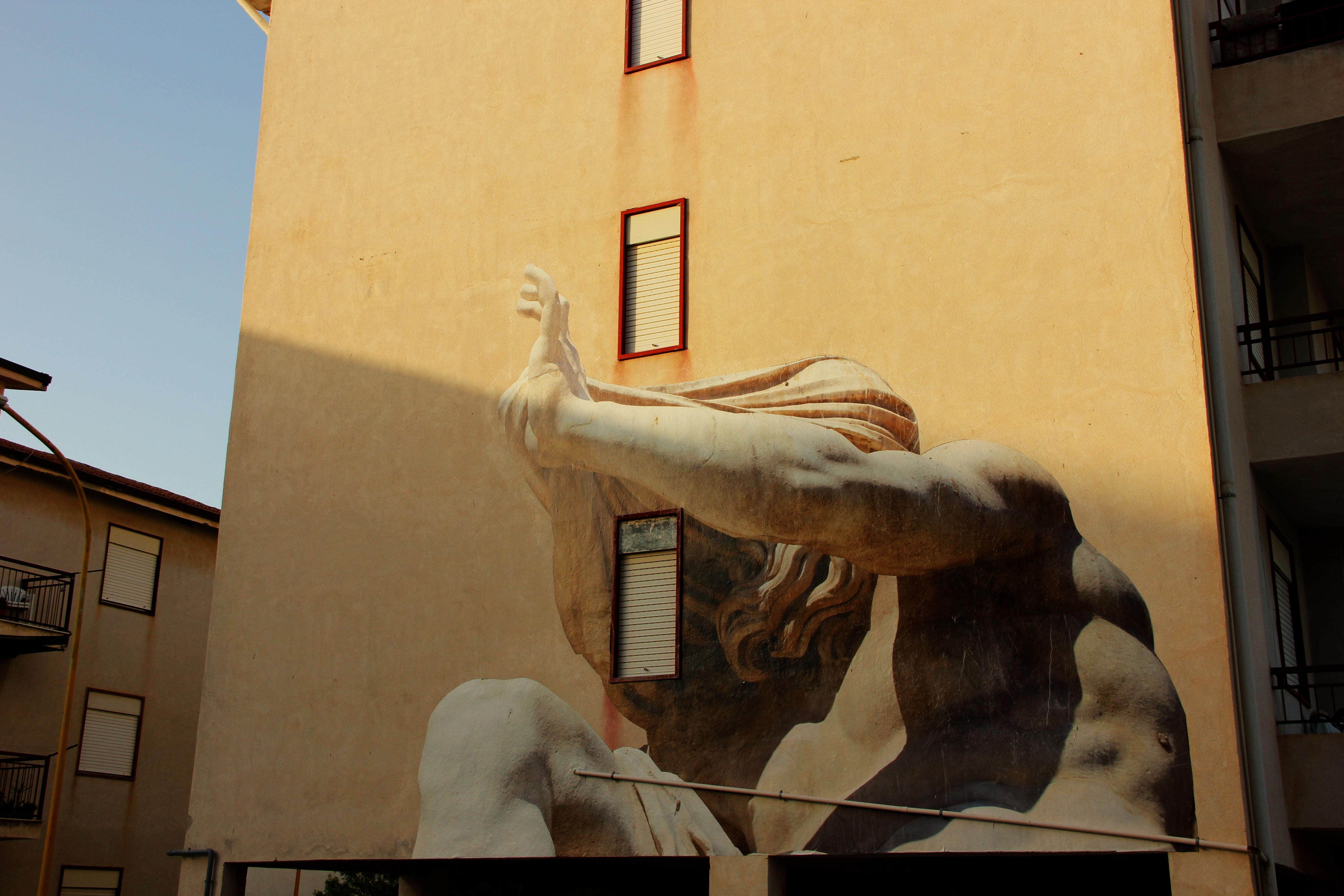 Macrosomia, il nuovo progetto di SBAGLIATO in Sicilia | Collater.al 2
