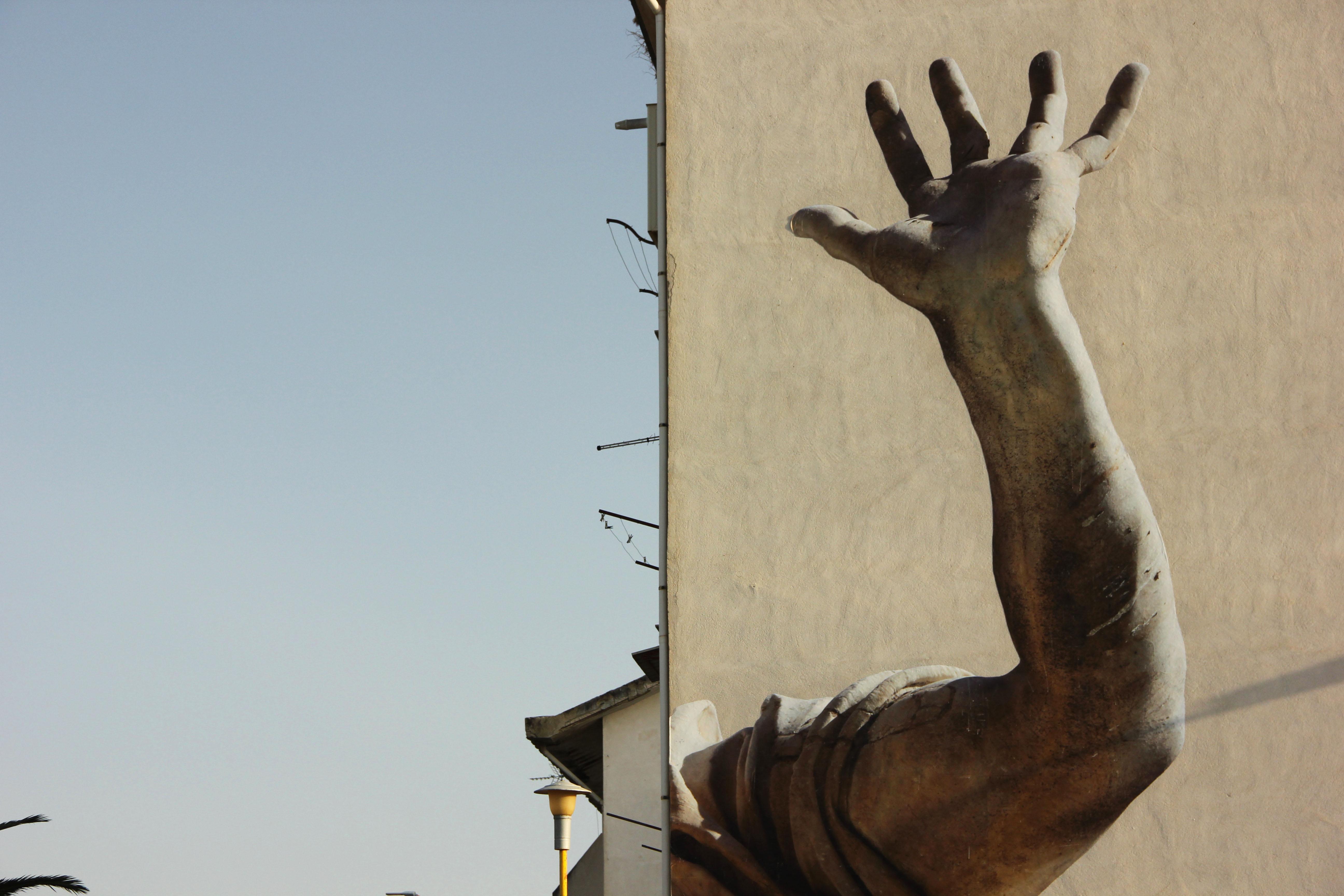 Macrosomia, il nuovo progetto di SBAGLIATO in Sicilia | Collater.al 3