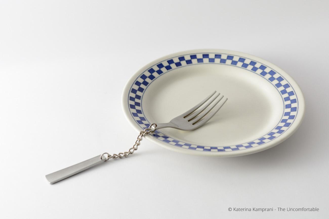 The Uncomfortable, gli oggetti di Katerina Kamprani | Collater.al 2