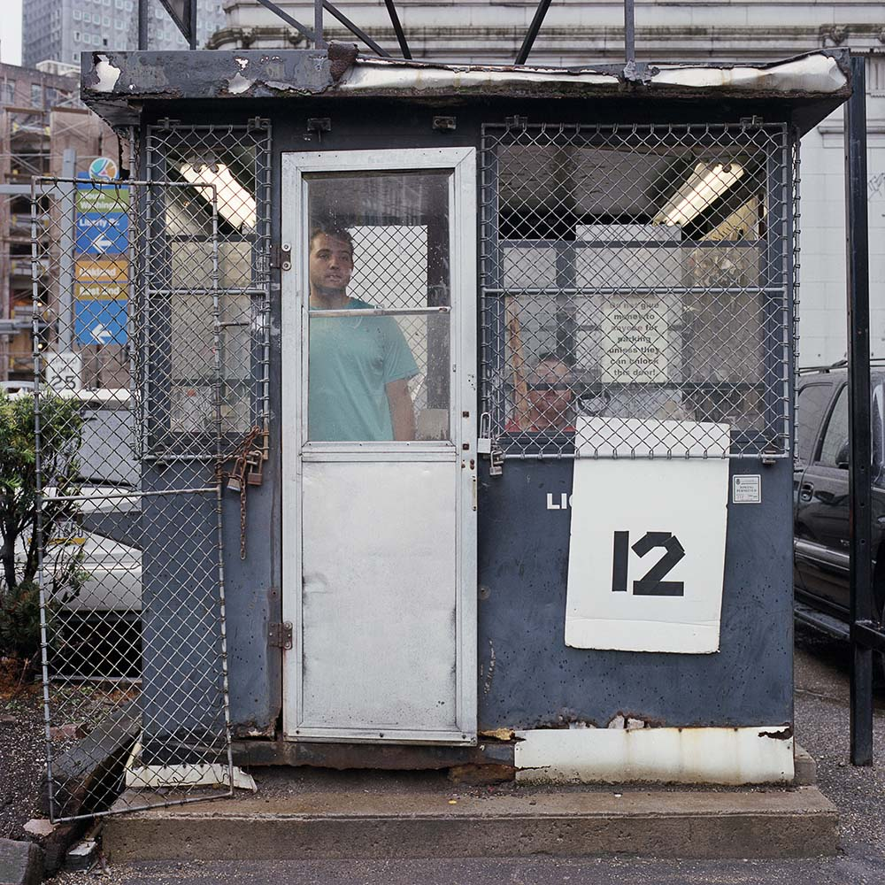 La solitudine dei parcheggiatori di Pittsburg nel progetto fotografico di Tom M. Johnson | Collater.al 7
