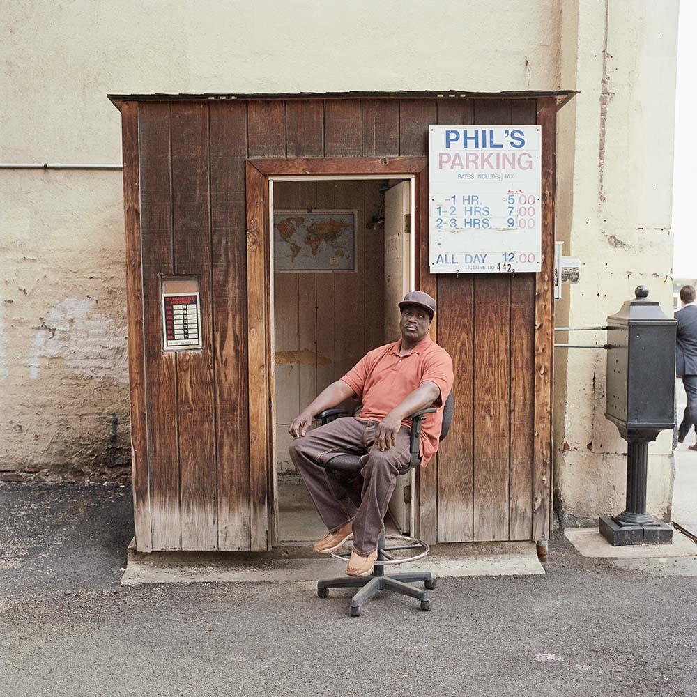 La solitudine dei parcheggiatori di Pittsburg nel progetto fotografico di Tom M. Johnson | Collater.al 9