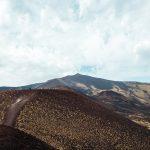 I paesaggi lunari dell'Etna e la costa di Catania | Collater.al