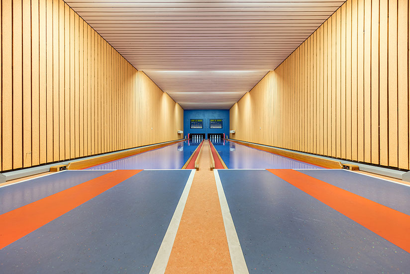 Robert Götzfried's lonely bowling alleys