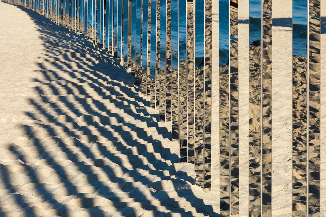 1:4 MILE ARC, l'installazione che riflette il mare di Phillip K Smith III | Collater.al 4
