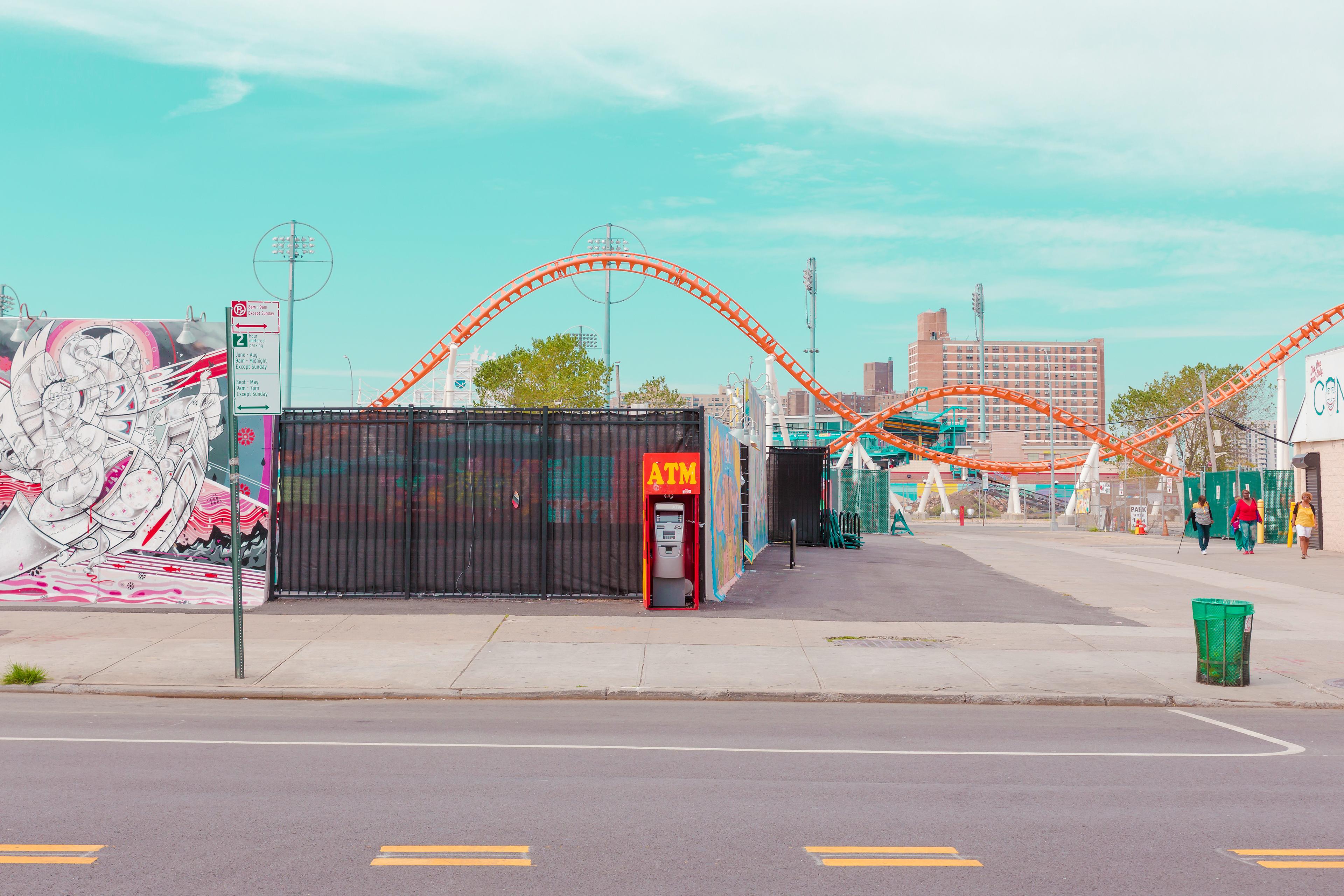 Coney island, Salvador Cueda fotografa i colori della sua infanzia | Collater.al 8