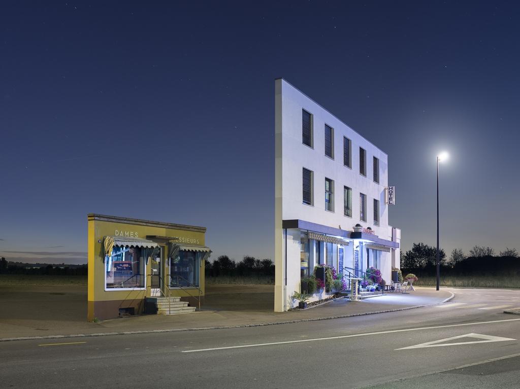 Facades, il progetto fotografico di Zacharie Gaudrillot-Roy | Collater.al 5