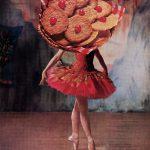 I celebri collage sulla figura femminile di Linder Sterling | Collater.al 11