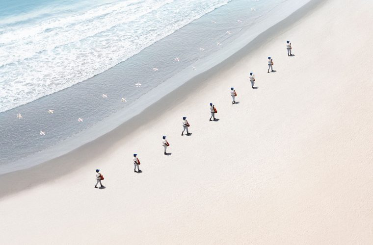 Walkers, i mixed media di Felipe Bedoya