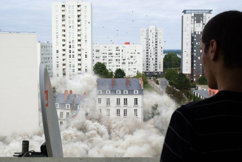 Downtown Corrida, the destructive photomontages of Alban Lécuyer