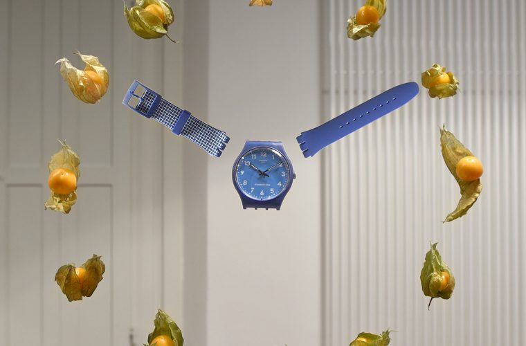 L'orologio fluttuante di Kitchen Suspension per Swatch