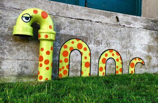 La street art divertente di Tom Bob
