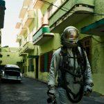 The Traveller, l'esploratore spaziale di Maximilian Motel | Collater.al