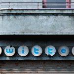 I social decadenti di Andrei Lacatusu | Collater.al 6