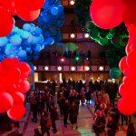 Gli immensi palloni di Geronimo al Lincoln Center di Manhattan | Collater.al