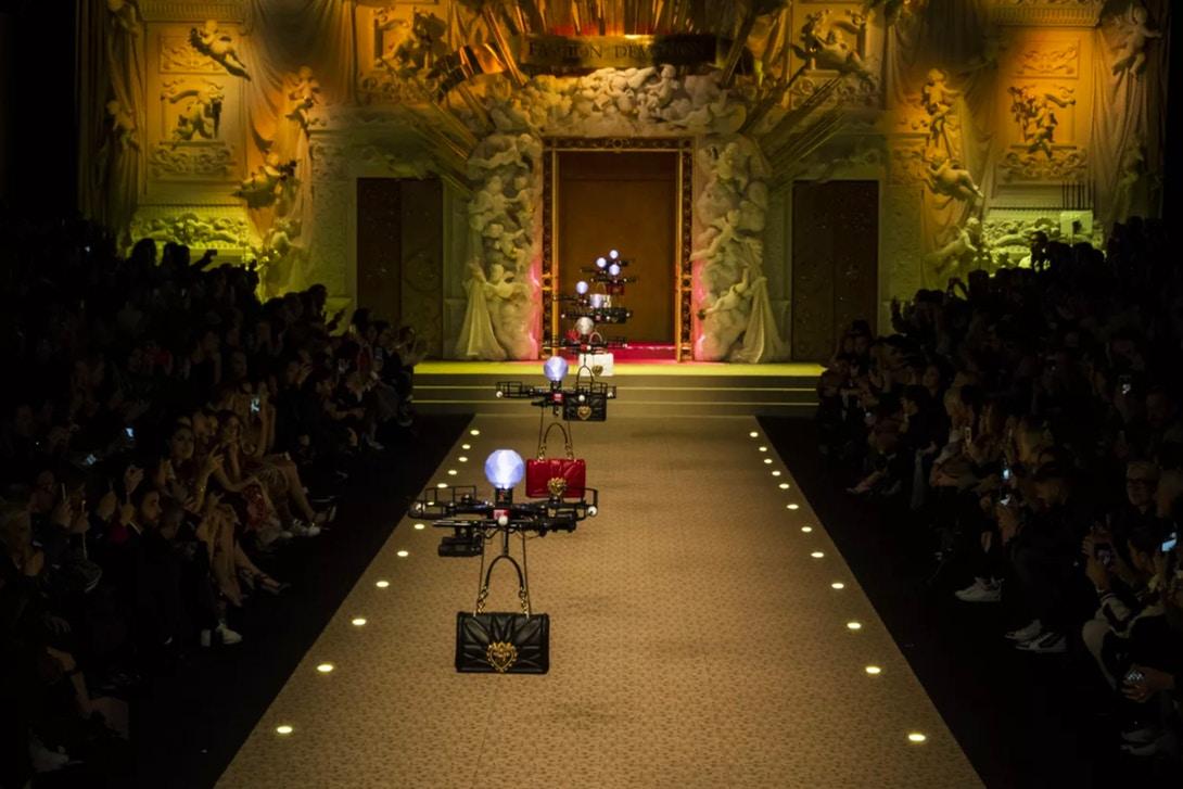I droni rimpiazzano i modelli alla sfilata di Dolce & Gabbana | Collater.al 2