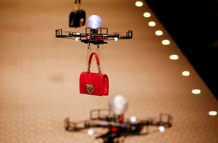 Drones replace models at the Dolce & Gabbana fashion show