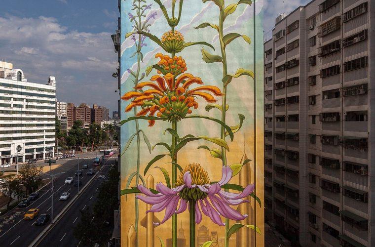 I murales naturalistici di Mona Caron