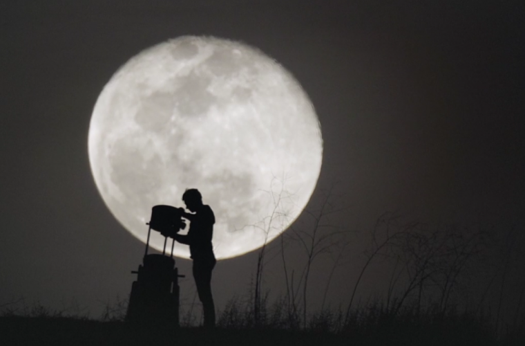 Short video for Breakfast – A New View of the Moon, quando la luna è un po' più vicina