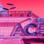 Infra Realism, Palm Springs si veste di rosa nelle foto di Kate Ballis | Collater.al 11