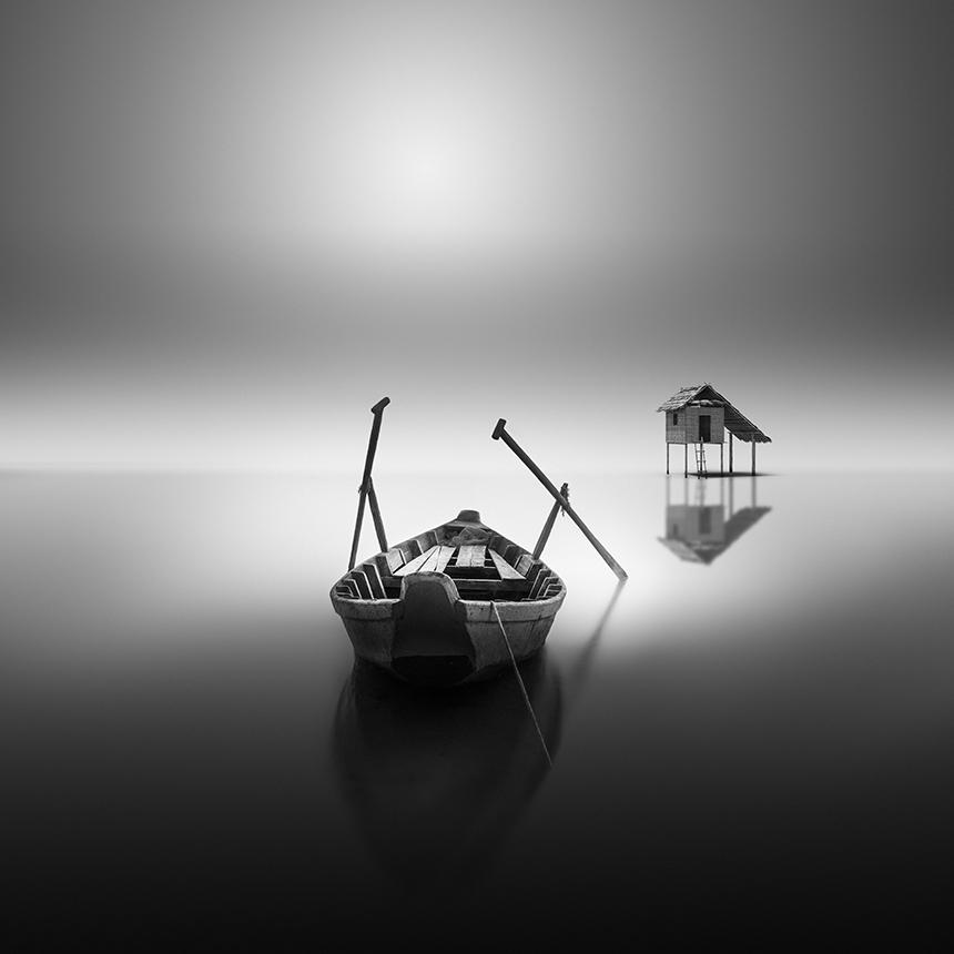 Le delicate foto in bianco e nero di vassilis tangoulis for Foto hd bianco e nero
