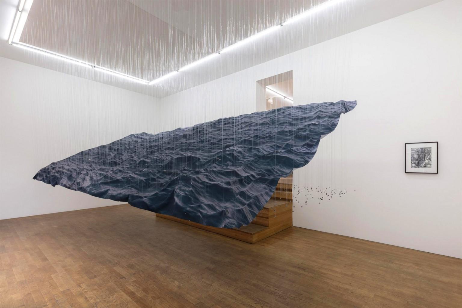 Le onde oceaniche sospese di Miguel Rothschild | Collater.al 1