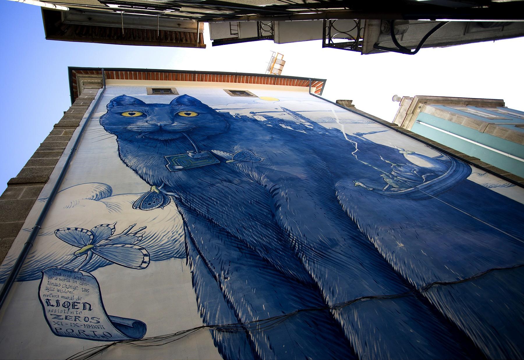 Perspentico, il grande gatto blu dello street artist Liqen | Collater.al 6